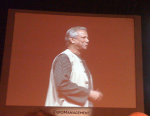 Escuchando a Muhammad Yunus en ExpoManagement Buenos Aires